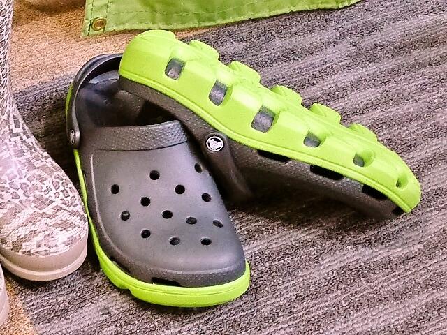 w130618-crocs02.jpg