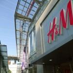 福岡(天神)の西通りのH&Mがイイ! トップスいっぱい買った!