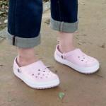 クロックスの履き心地ってどう?サンダル&靴のタイプ別にまとめたよ。